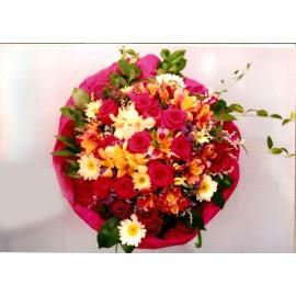Букет - микс от различни цветя